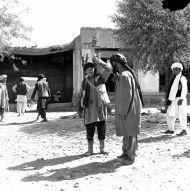 11.Hazar – nosiwoda na bazarze w Almar, fot. M. Gawęcki,1976