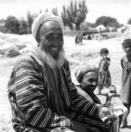 12.Sklepikarz na bazarze w Tala-o-Berfak, fot. M. Gawęcki,1976